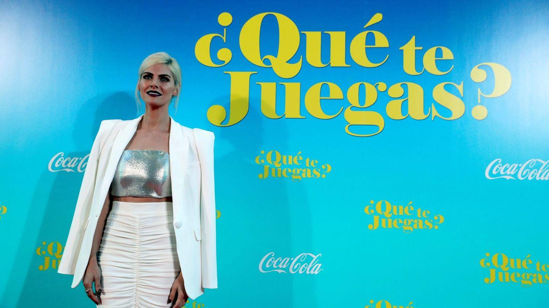 La actriz Amaia Salamanca en el estreno de su última película '¿Qué te juegas?' con un look de otro planeta. (EFE)