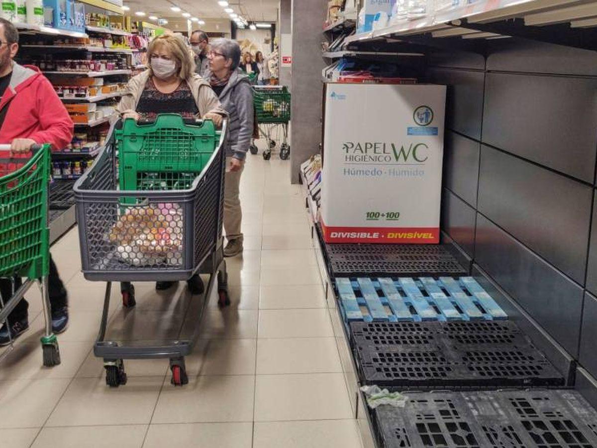 Foto: Ausencia de cerveza en los supermercados. (Efe)