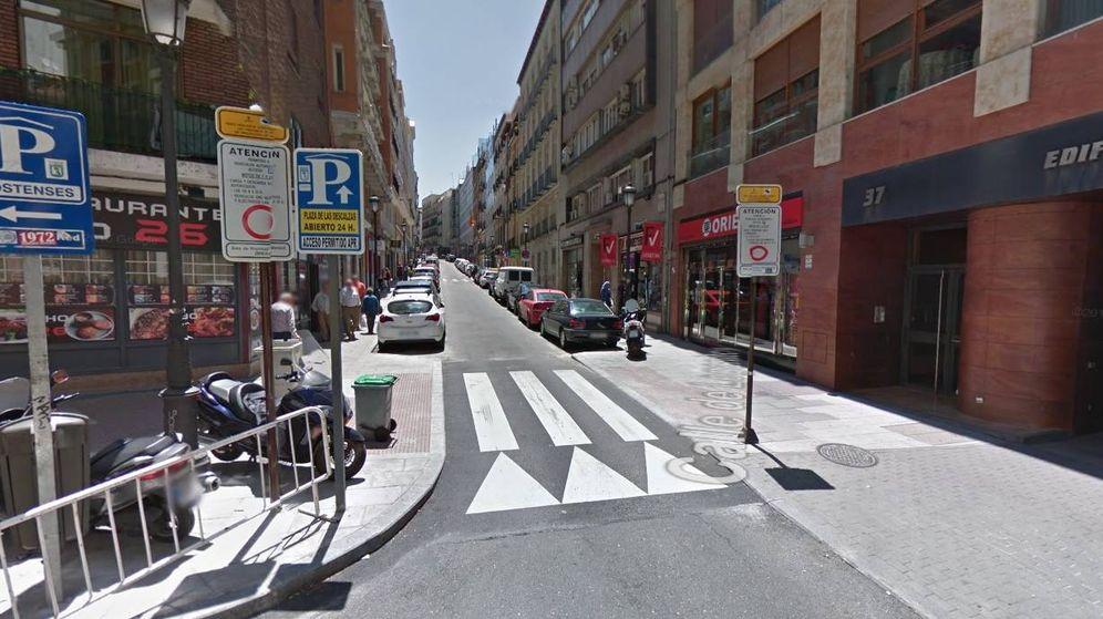 Foto: Señales que indican el inicio del APR de Ópera en la calle Leganitos.