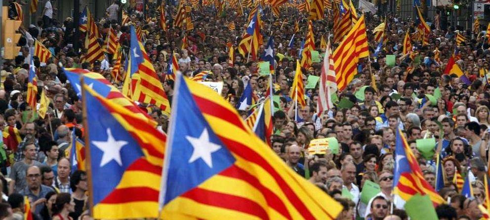 Foto: Masiva manifestación en la Diada 2012 (EFE)