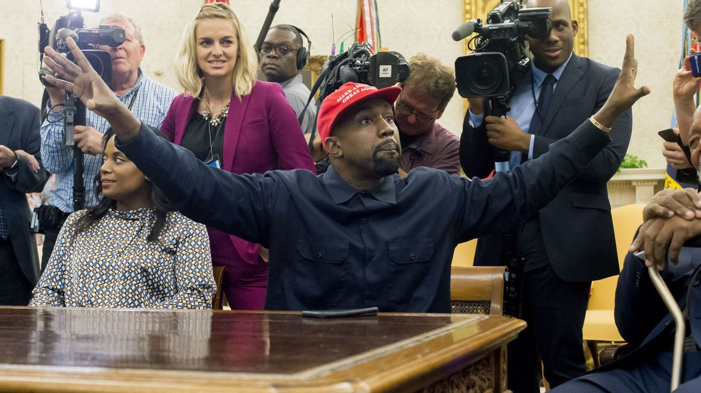 Kanye West, en una reunión con Donald Trump. (EFE)