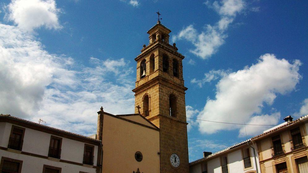 Foto: Iglesia de San Miguel Arcángel en Gata de Gorgos, municipio donde fue asesinado el Beato Diego Llorca Llopis. (Wikipedia)