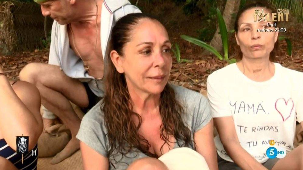 Foto: Isabel Pantoja, contra Carlos Lozano en 'Supervivientes'. (Telecinco)