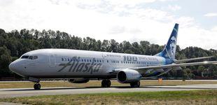 Post de Un trabajador de una aerolínea roba un avión vacío y se estrella en Seattle