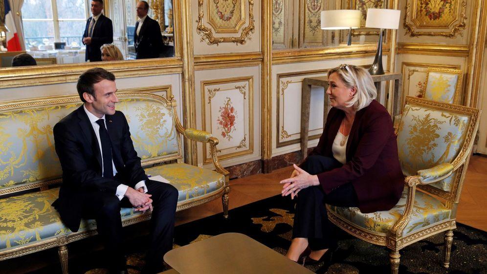 Foto: Macron, en una imagen junto a Le Pen. (EFE)