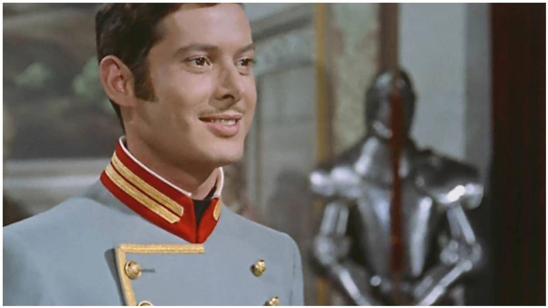 Vicente Parra, como el rey Alfonso XII en la película '¿Dónde vas, Alfonso XII?'.  (Pecsa Films)