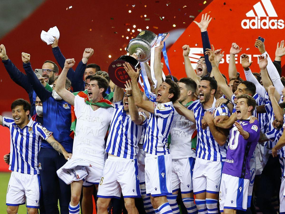 La Real Sociedad gana un título 34 años después tras vencer al Athletic en una final inédita con derbi vasco