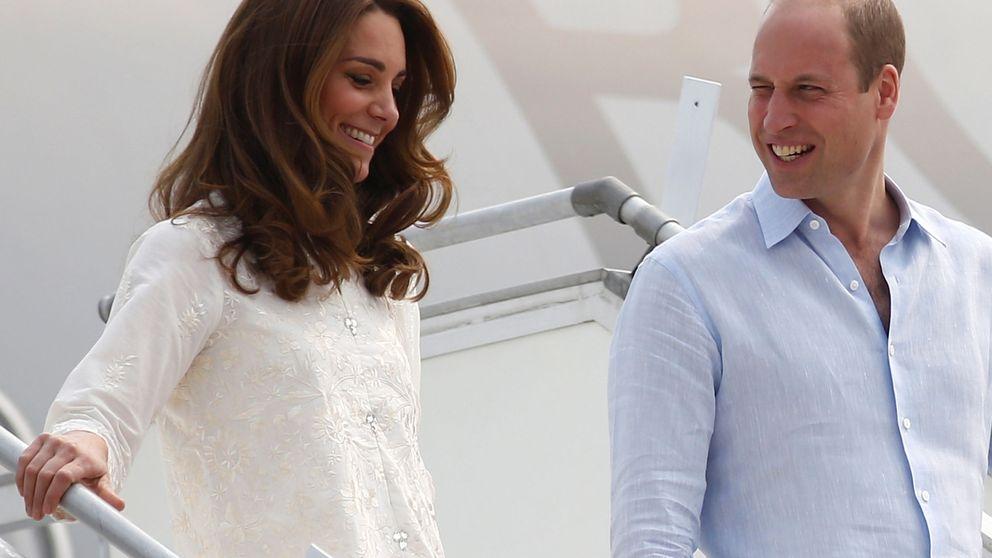 La mirada del príncipe Guillermo lo dice todo: Kate, más guapa que nunca en Lahore