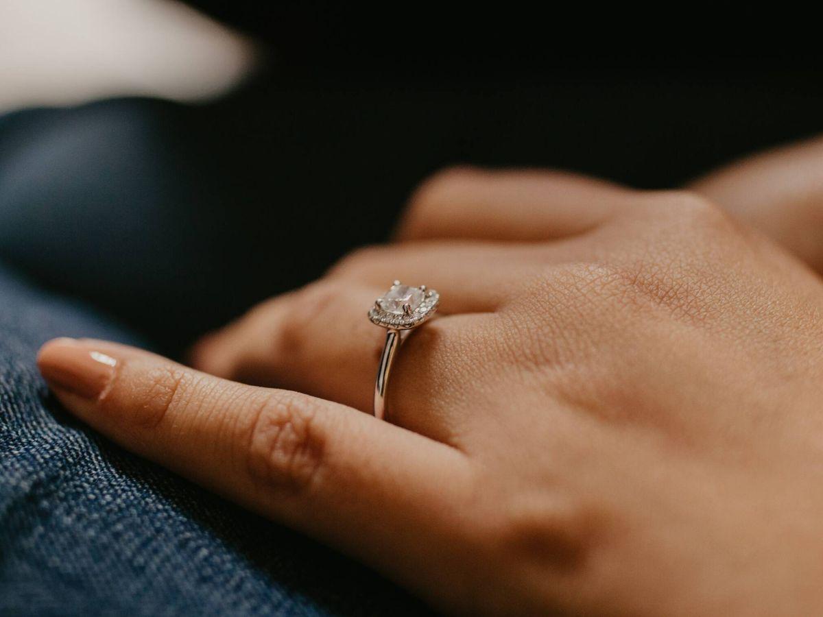 Foto: Tendencias en anillos de compromiso. ( Karina Thomson para Unsplash)