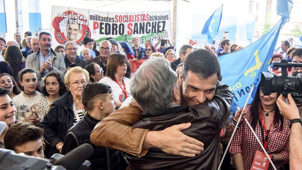 Sánchez arranca las primarias con actos diarios y con otros 36.600 € recolectados