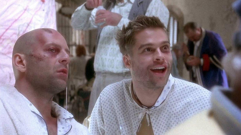 Bruce Willis y Brad Pitt en '12 monos'.