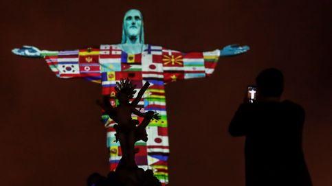 Proyectan en el Cristo Redentor de Brasil las banderas de países afectados por coronavirus