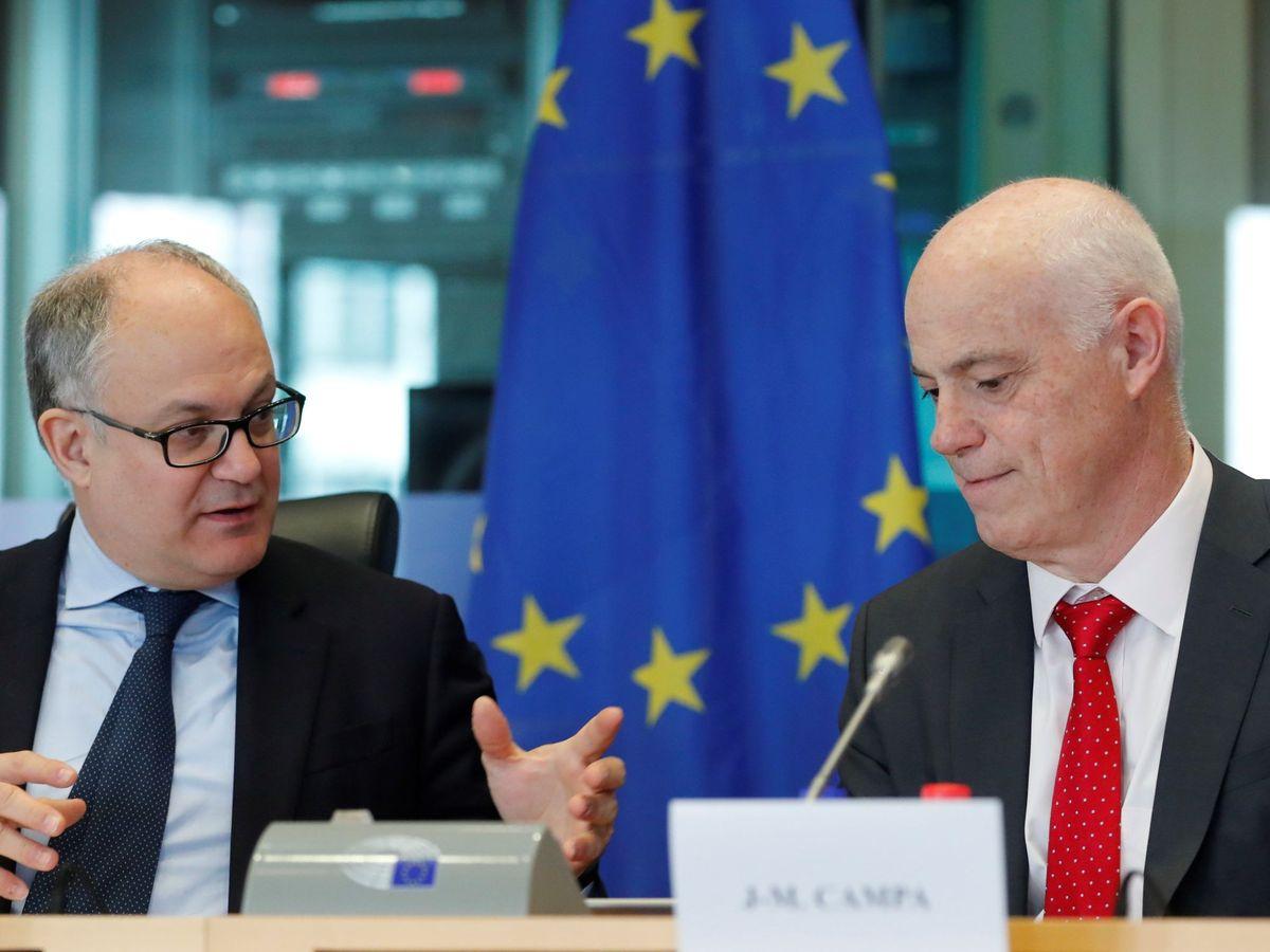 Foto: José Manuel Campa (a la derecha), con Roberto Gualtieri. (EFE)