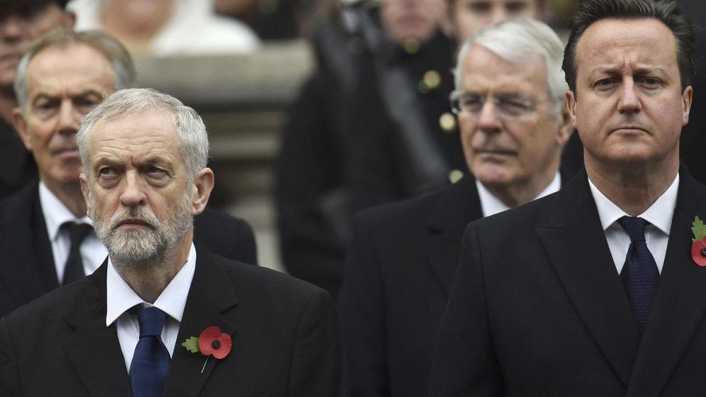 Foto: A la derecha, el primer ministro David Cameron. A la izquierda el líder laborista  Jeremy Corbyn. (Reuters)