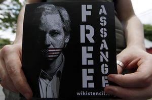 El fundador de Wikileaks, Julian Assange, permanecerá en prisión al menos 48 horas más