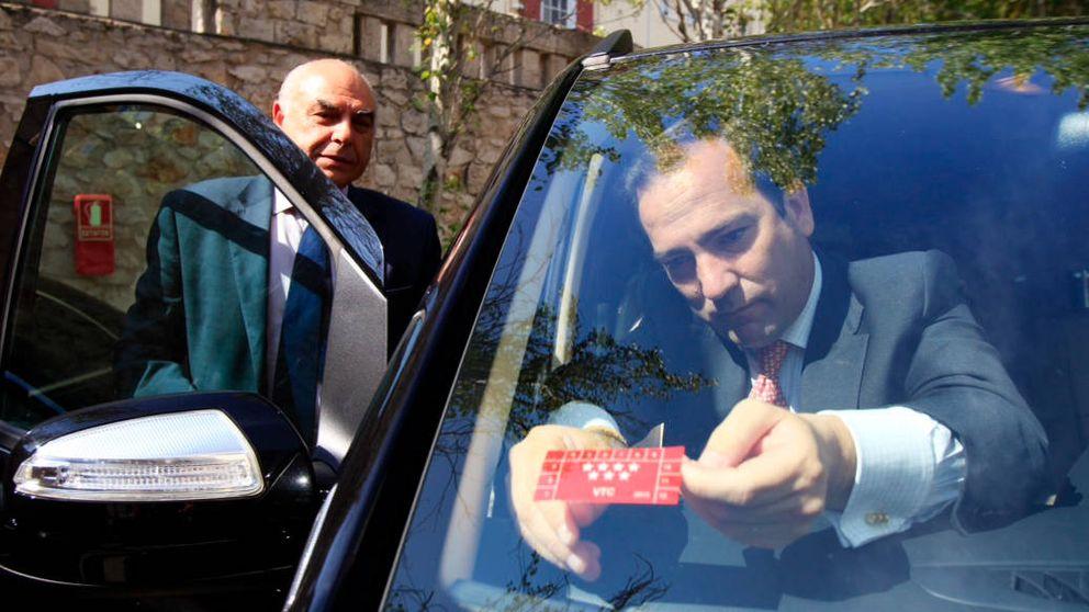 Cuenta atrás para el Gobierno: Uber se prepara para barrer al taxi