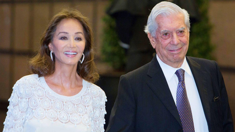 Las razones por las que Isabel Preysler no acompaña a Vargas Llosa en su viaje a México