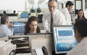 El 44% de empresas subió sueldos en 2014 y los mejorará en 2015