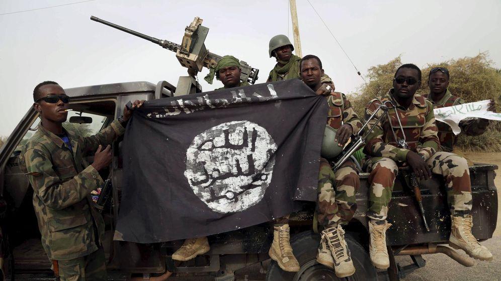 Foto: Milicianos de Boko Haram celebran haber retomado la ciudad nigeriana de Damask (REUTERS