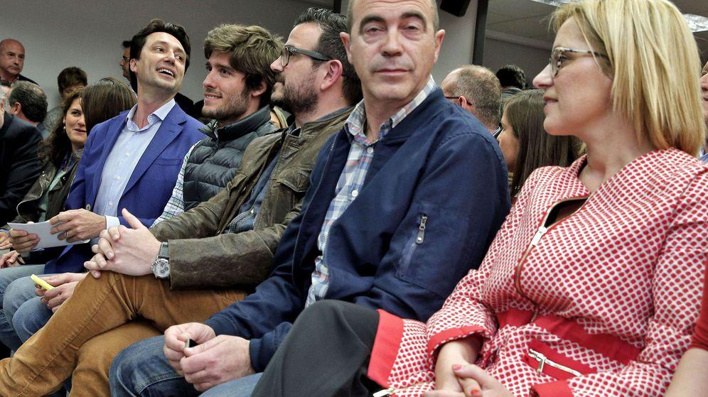 Foto: En primer plano, Contelles, en el último, Vicente Betoret. (EFE)