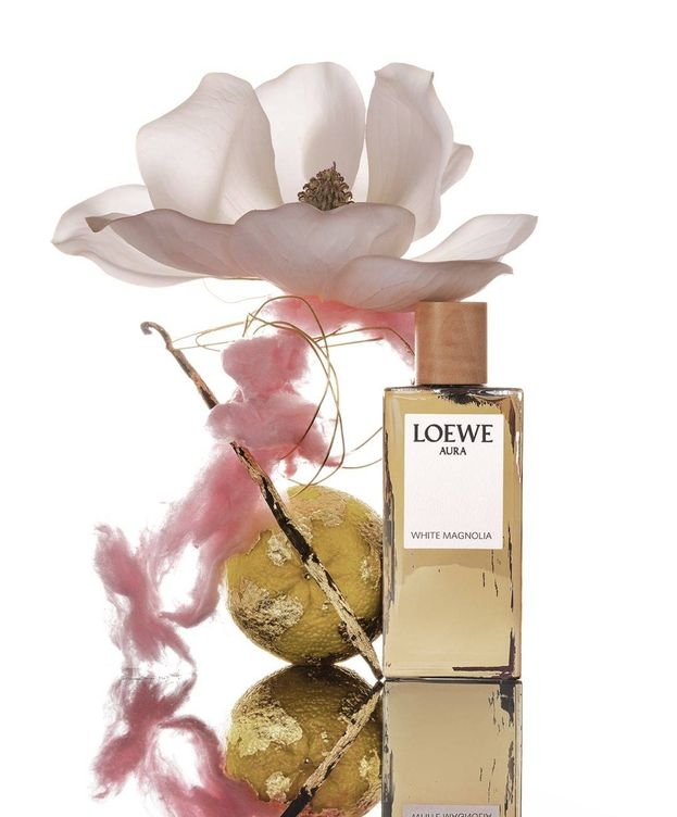 Foto: Aura White Magnolia de Loewe. (@loewe_perfumes)