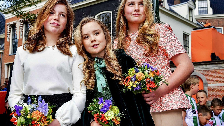 Alexia de Holanda (izquierda) con sus hermanas. (EFE)