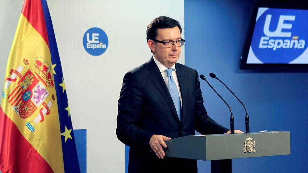 Foto: El ministro español de Economía, Román Escolano, durante la rueda de prensa posterior a la reunión de los titulares económicos de la Unión Europea (UE), el Eurogrupo y Ecofin. (EFE)