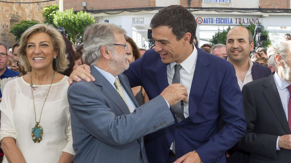 Foto: Ibarra en una imagen de archivo con Pedro Sánchez. (Efe)
