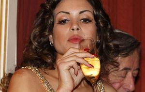 Ruby, la 'amiga' de Berlusconi, se desmelena en la Ópera de Viena