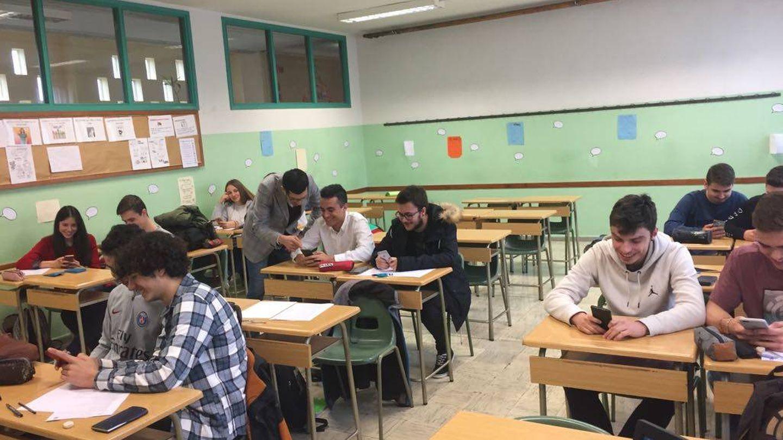 Eduardo Infante dando clase (E.I.)