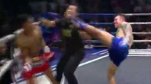 El luchador que noqueó a su rival y al árbitro a la vez