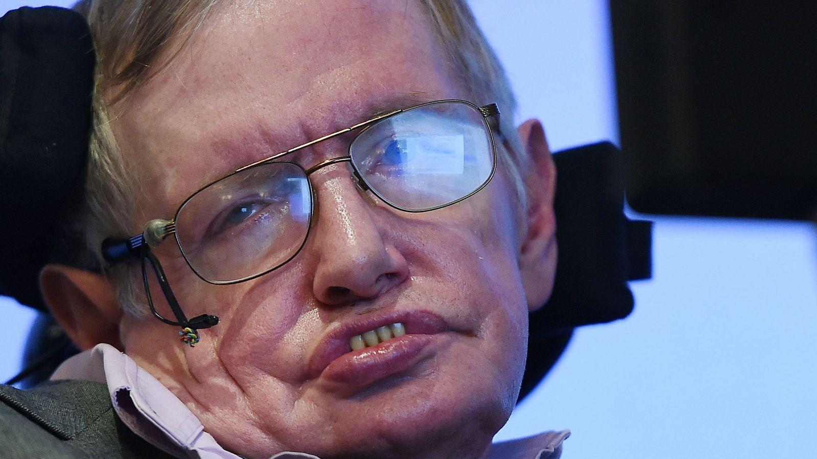 Foto: Stephen Hawking durante una conferencia de prensa en Londres. (EFE)