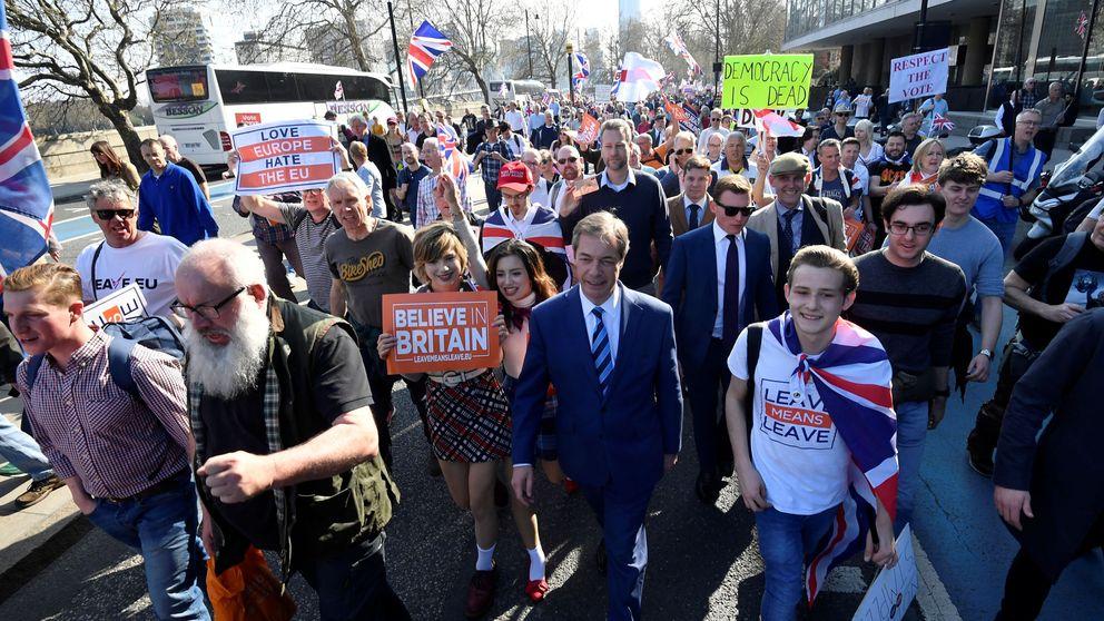 Farage vuelve con el Partido del Brexit para participar en las europeas y asegurar la ruptura