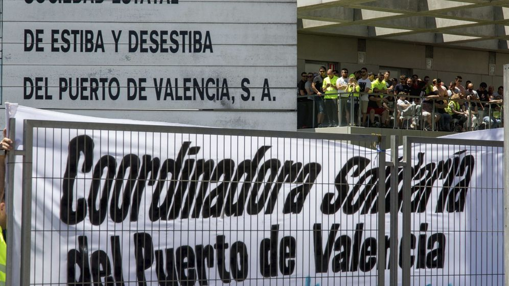 Foto: Asamblea de estibadores de Valencia. (EFE)