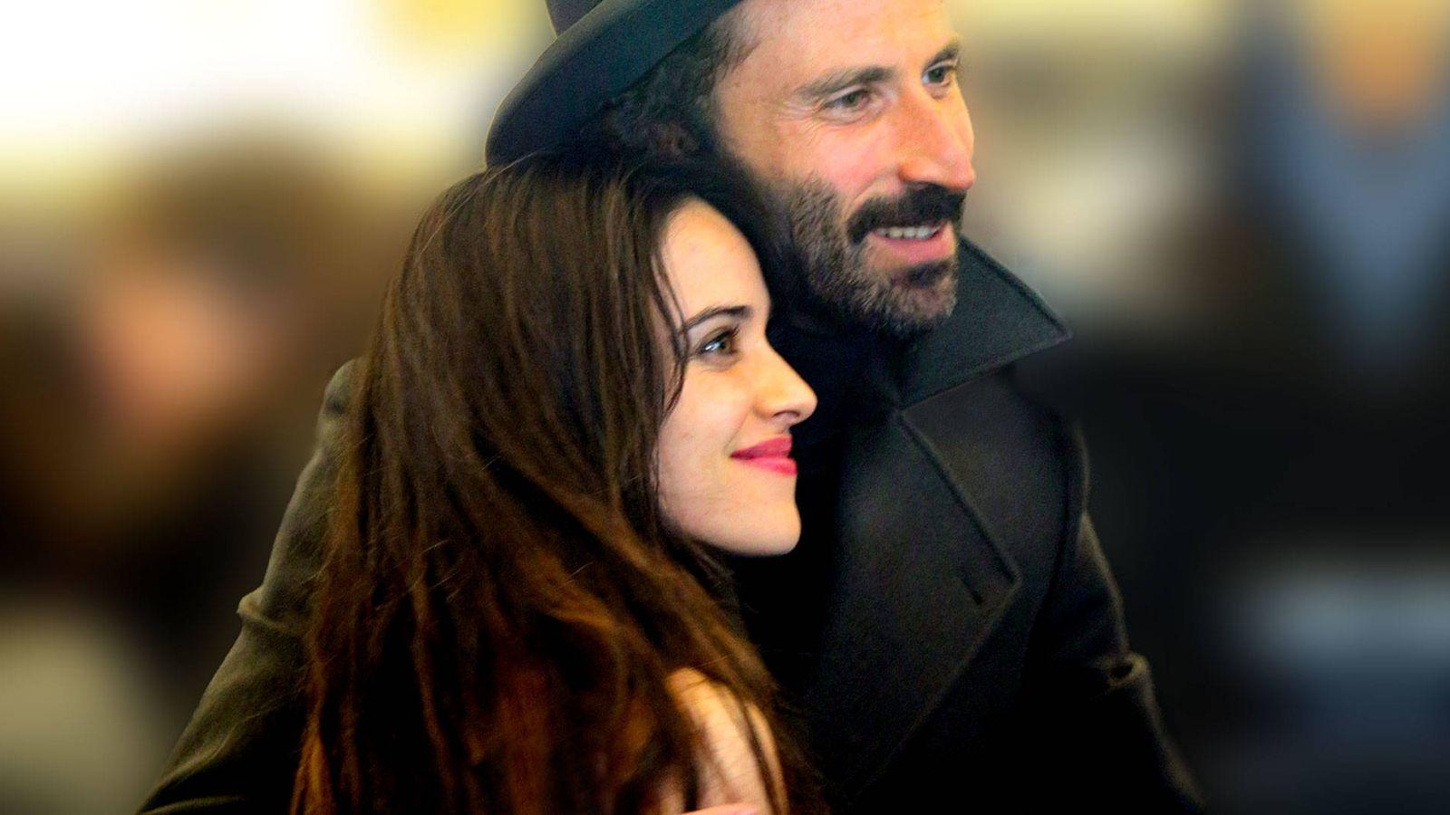 Foto: La actriz Macarena García y el compositor Leiva, juntos. (Cordon Press)