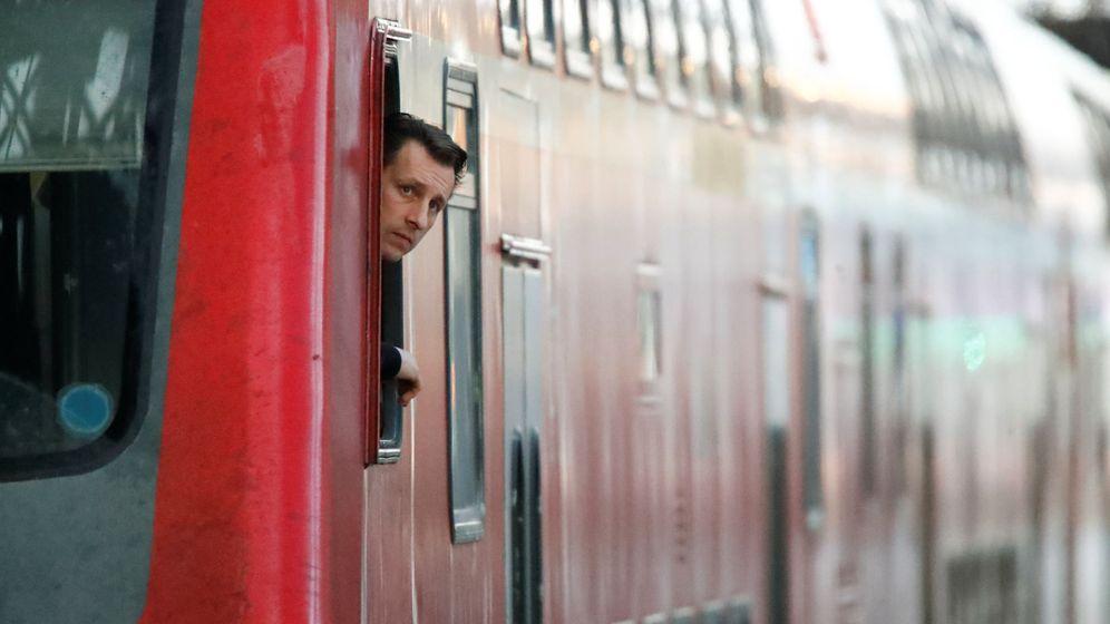 Foto: El maquinista de un tren de Deustche Bahn. (Reuters)