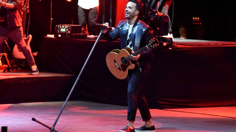 Ana Botella (sin Aznar) y Aless Gibaja bailan 'despacito' al son de Luis Fonsi