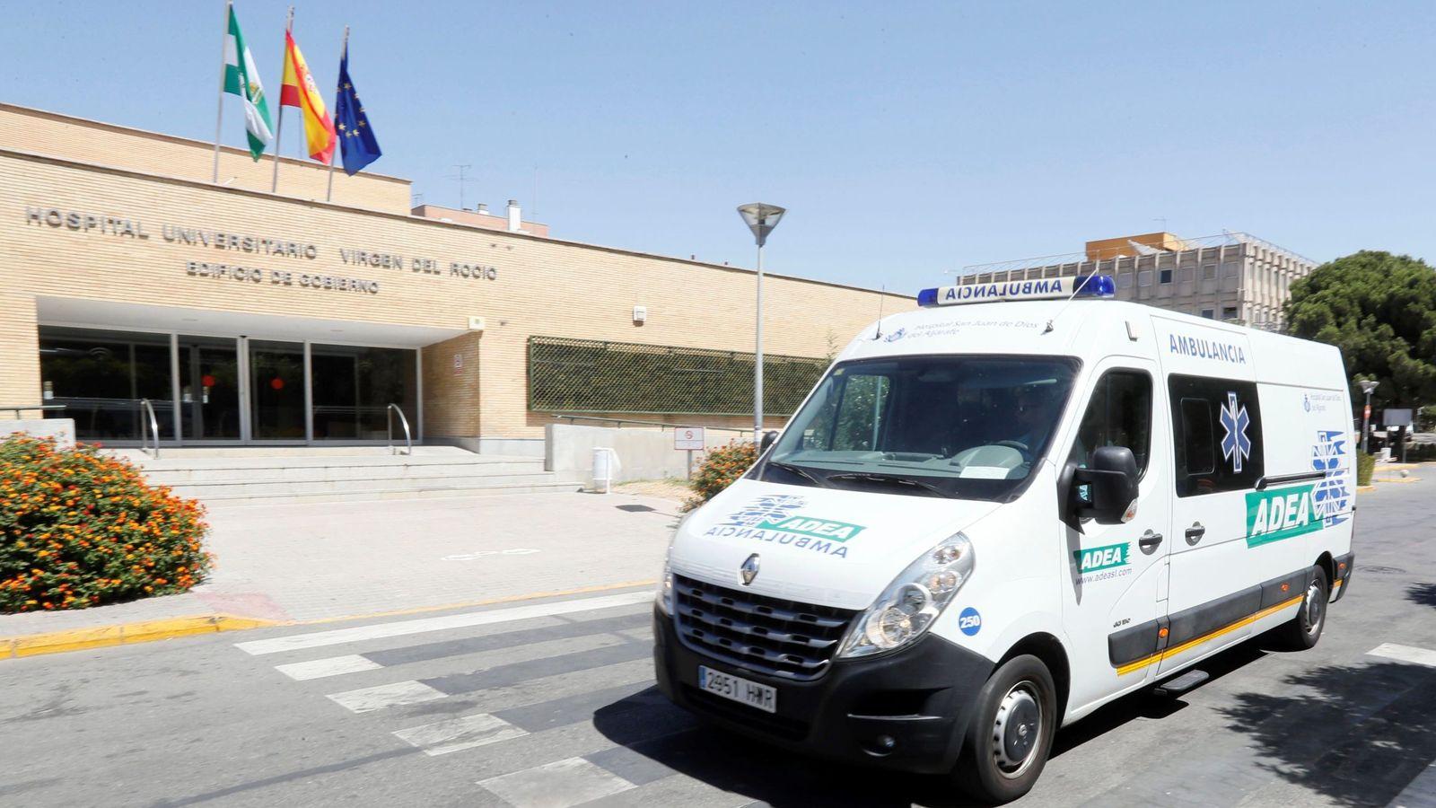 Foto: El hospital Virgen del Rocío de Sevilla donde ha fallecido de una anciana de 90 años. (EFE)