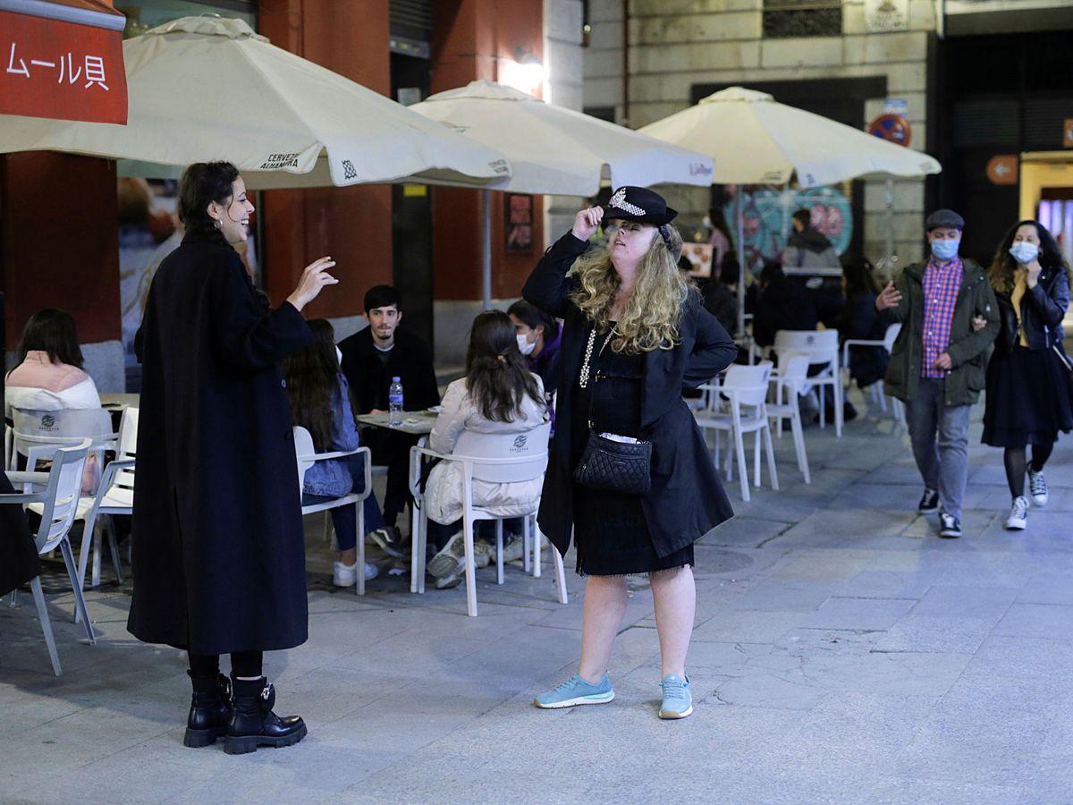 Foto: Turistas en Madrid, marzo del año II de pandemia. (Reuters/Javier Barbancho)