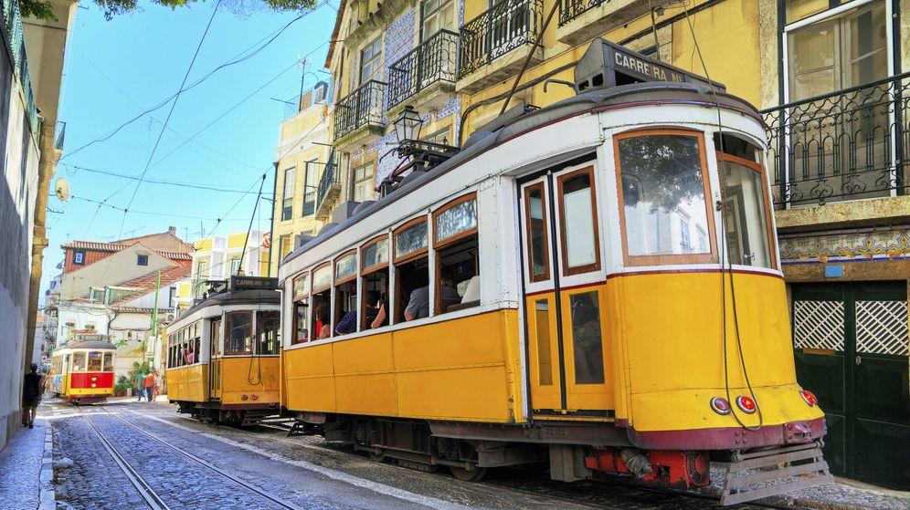 Foto: Tranvías en las calles de Lisboa (iStock)