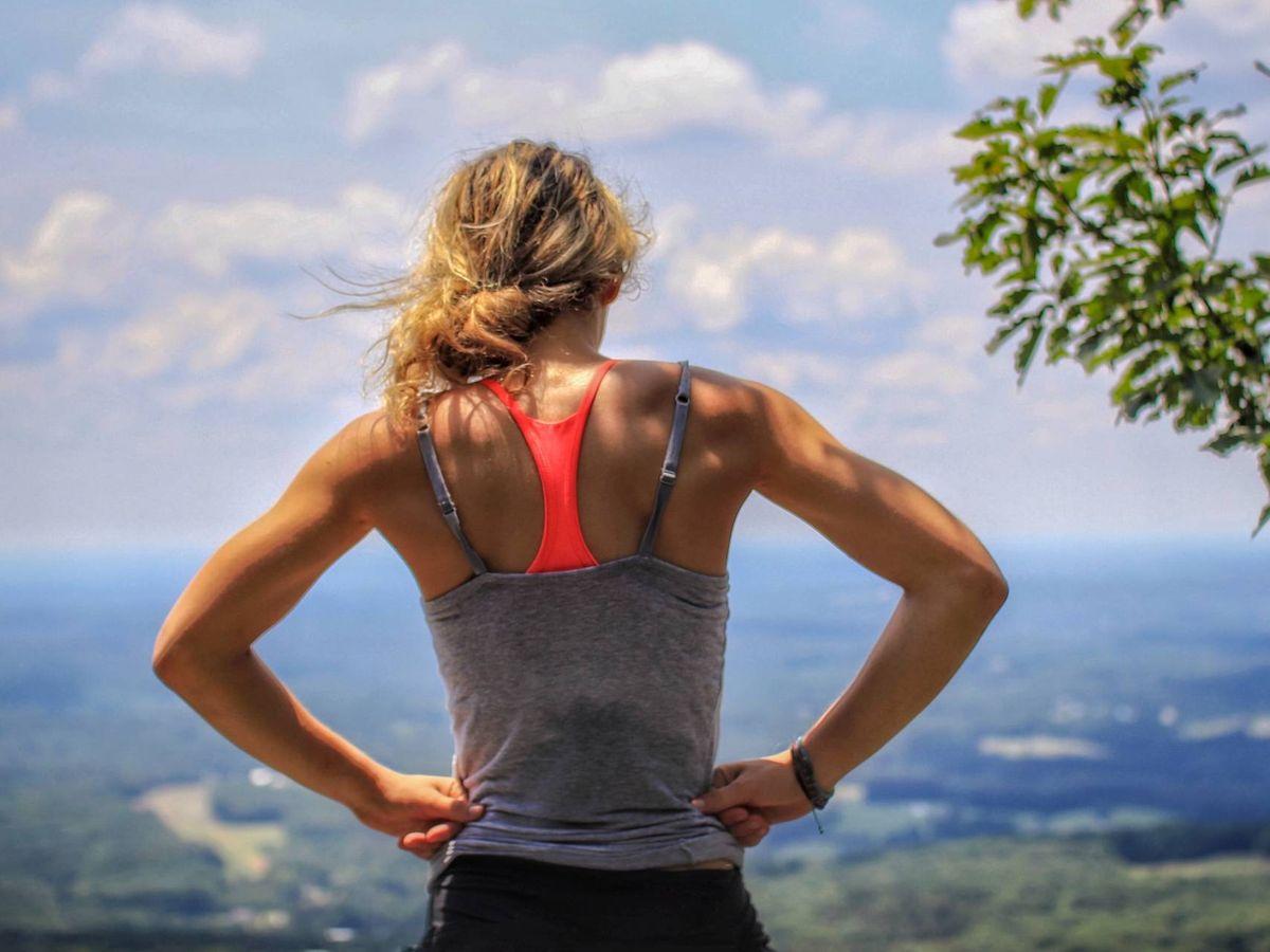 Foto: Los mejores consejos para correr con calor. (Morgan Sarkissian para Unsplash)