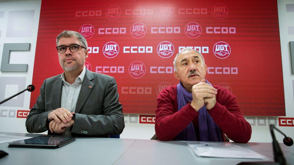 Foto: Los secretarios generales de CCOO, Unai Sordo, y de UGT, Pepe Álvarez (Efe)