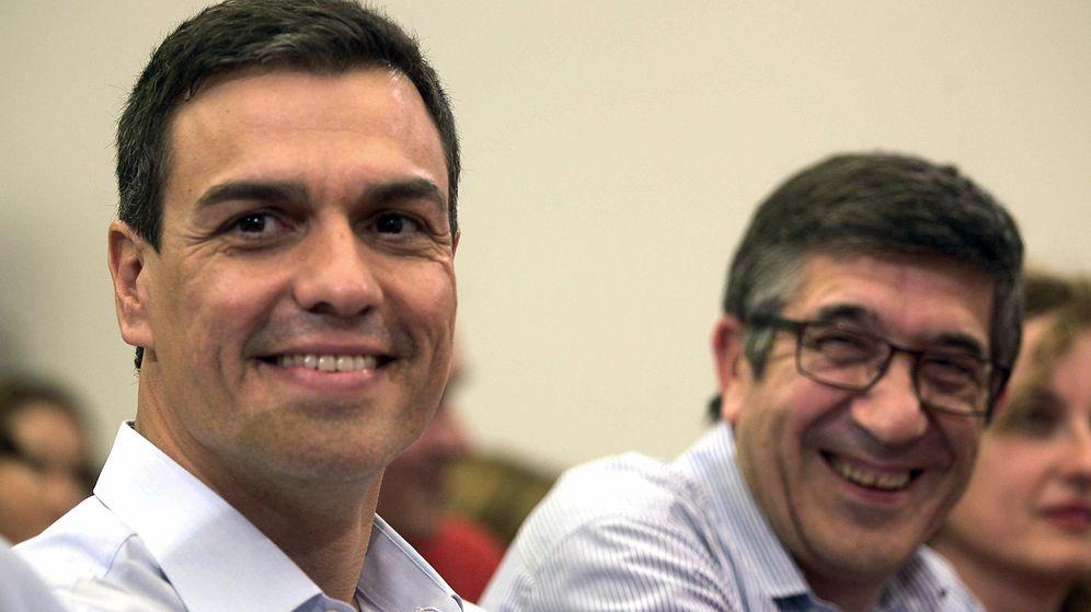 Foto: Pedro Sánchez y el 'exlehendakari' Patxi López, el nombre que suena como candidato a la Presidencia del Congreso, el pasado 16 de julio de 2015 en Bilbao. (EFE)