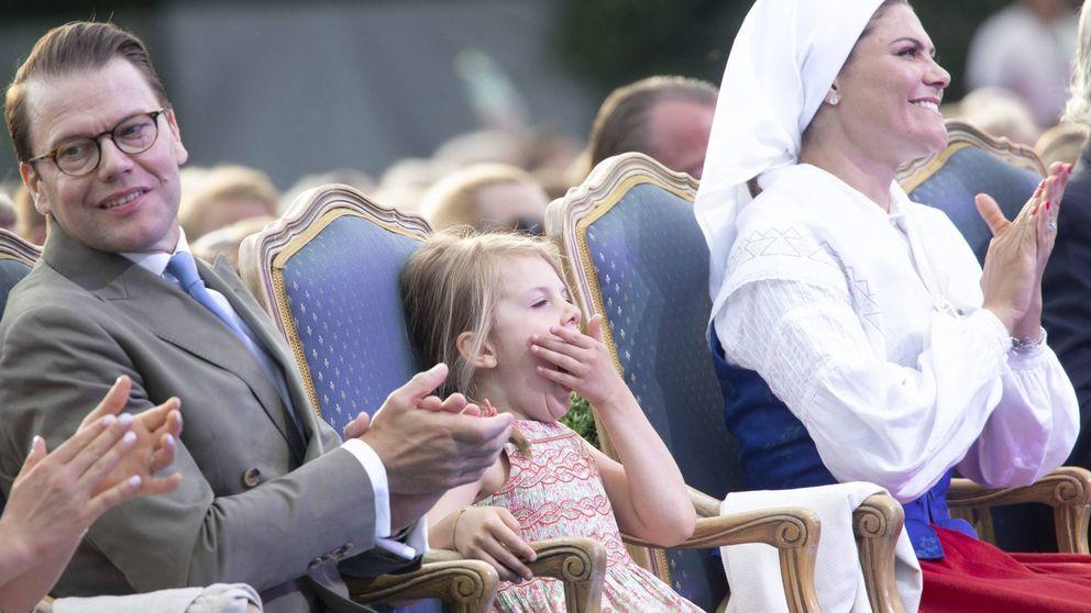 Estelle de Suecia, aburridísima en el cumpleaños de la princesa Victoria