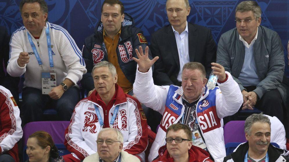 Foto: De izquierda a derecha, Mutko, ministro de deportes; Medvedev, primer ministro; Putin, presidente; y Bach, presidente del COI, durante Sochi 2014 (Sergei Chirikov/EFE/EPA)