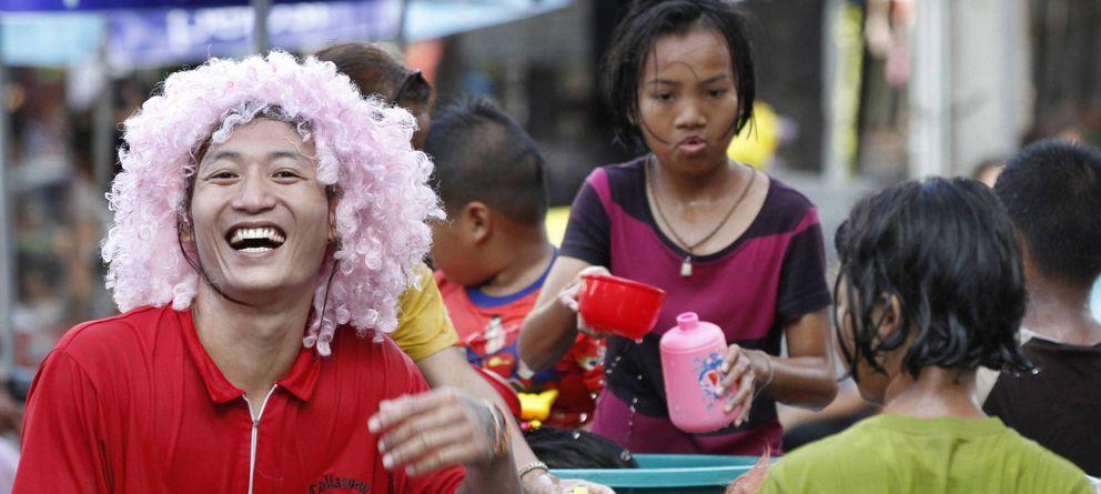 Foto: Tailandeses celebrando el Festival del Agua en abril. (EFE)