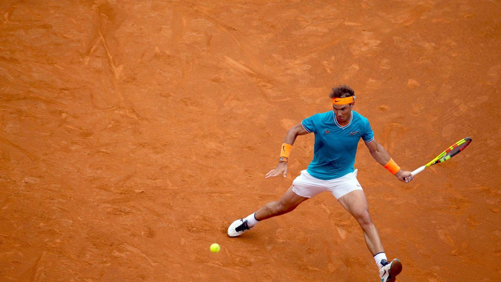 Foto: Rafa Nadal pegando ante David Ferrer. (EFE)