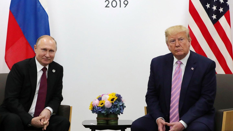 Trump y Putin se reúnen en Osaka. (EFE)