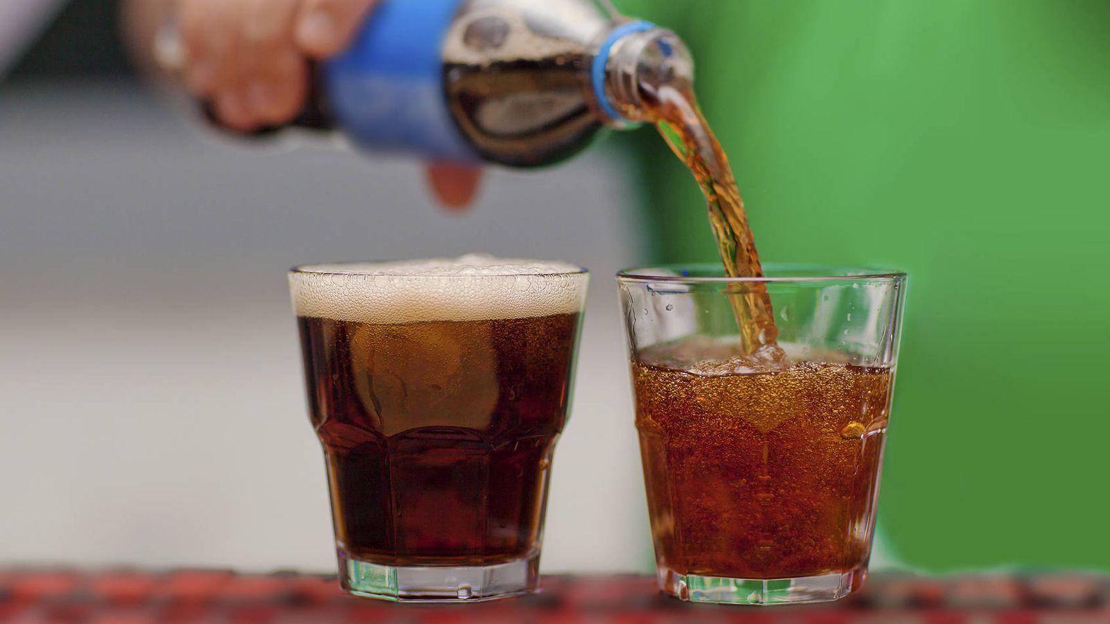 Salud: El peligro para la salud de tomar dos refrescos al