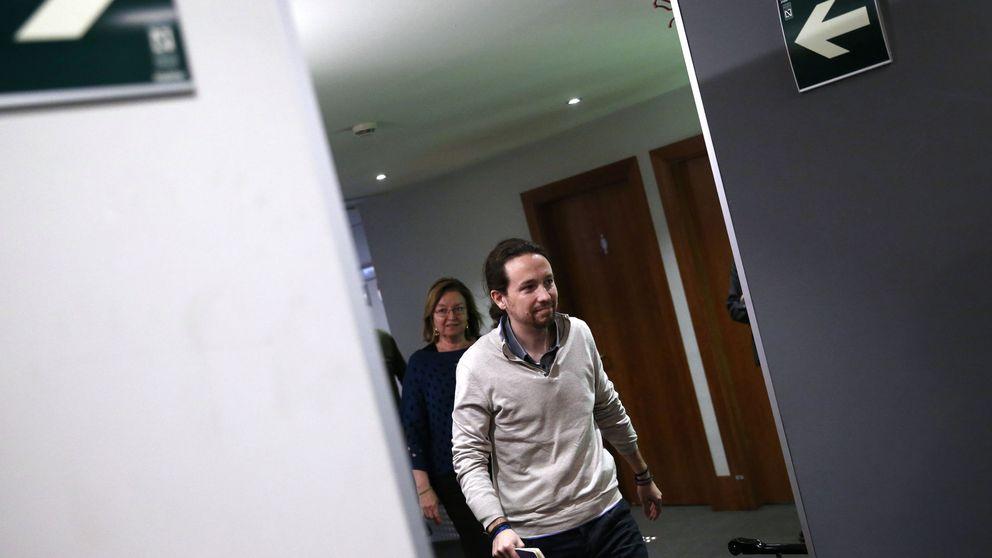 Iglesias apela a los sectores sensatos del PSOE y carga contra Susana Díaz